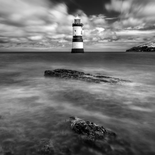 trwyn-du-lighthouse-bw-web